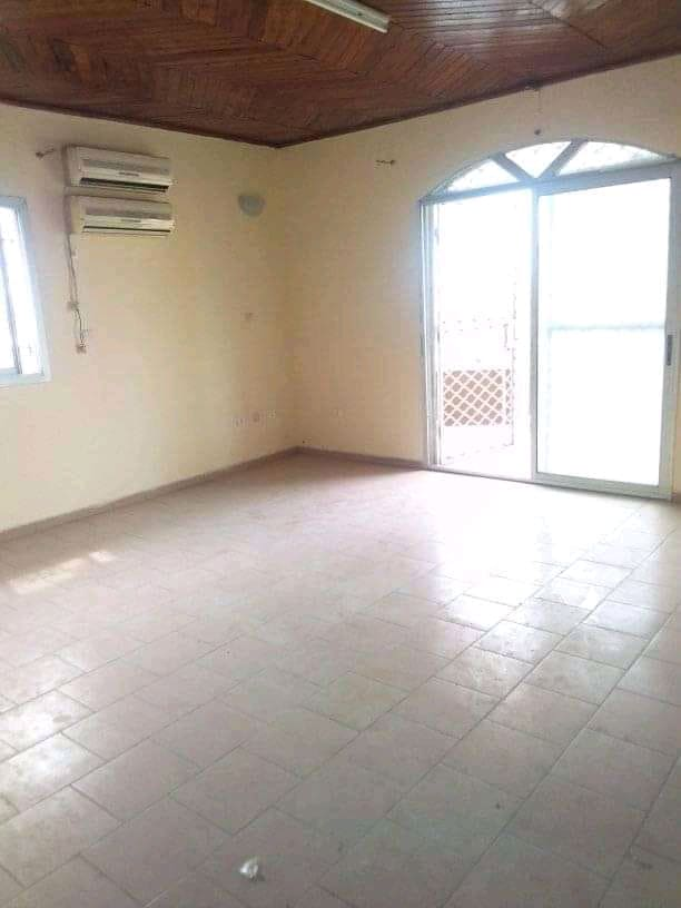 Apartment to rent - Douala, Makepe, Ver st Tropez - 1 living room(s), 1 bedroom(s), 1 bathroom(s) - 100 000 FCFA / month