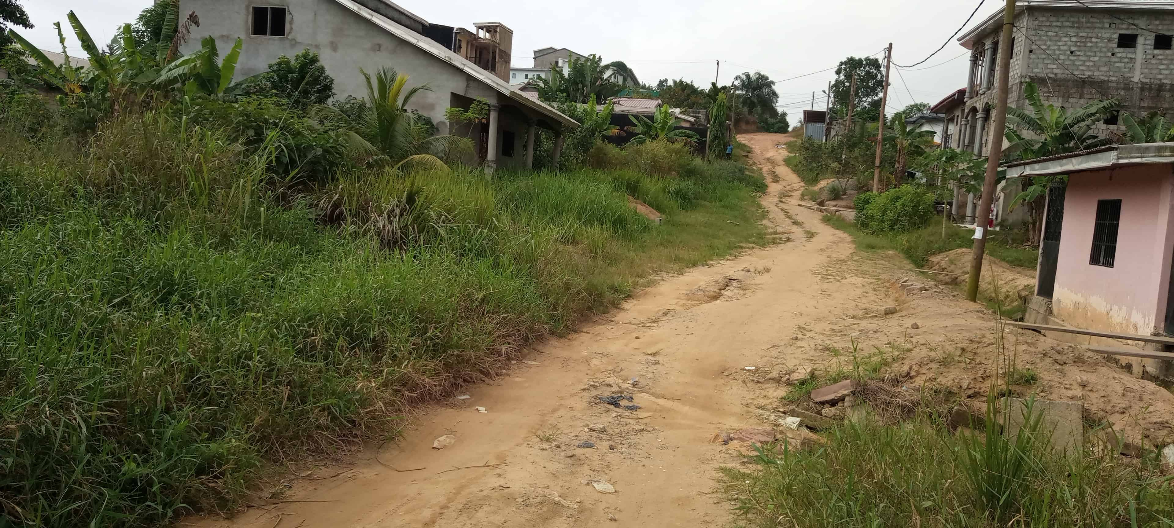 Land for sale at Douala, Japoma, Après les rails - 2000 m2 - 50 000 000 FCFA