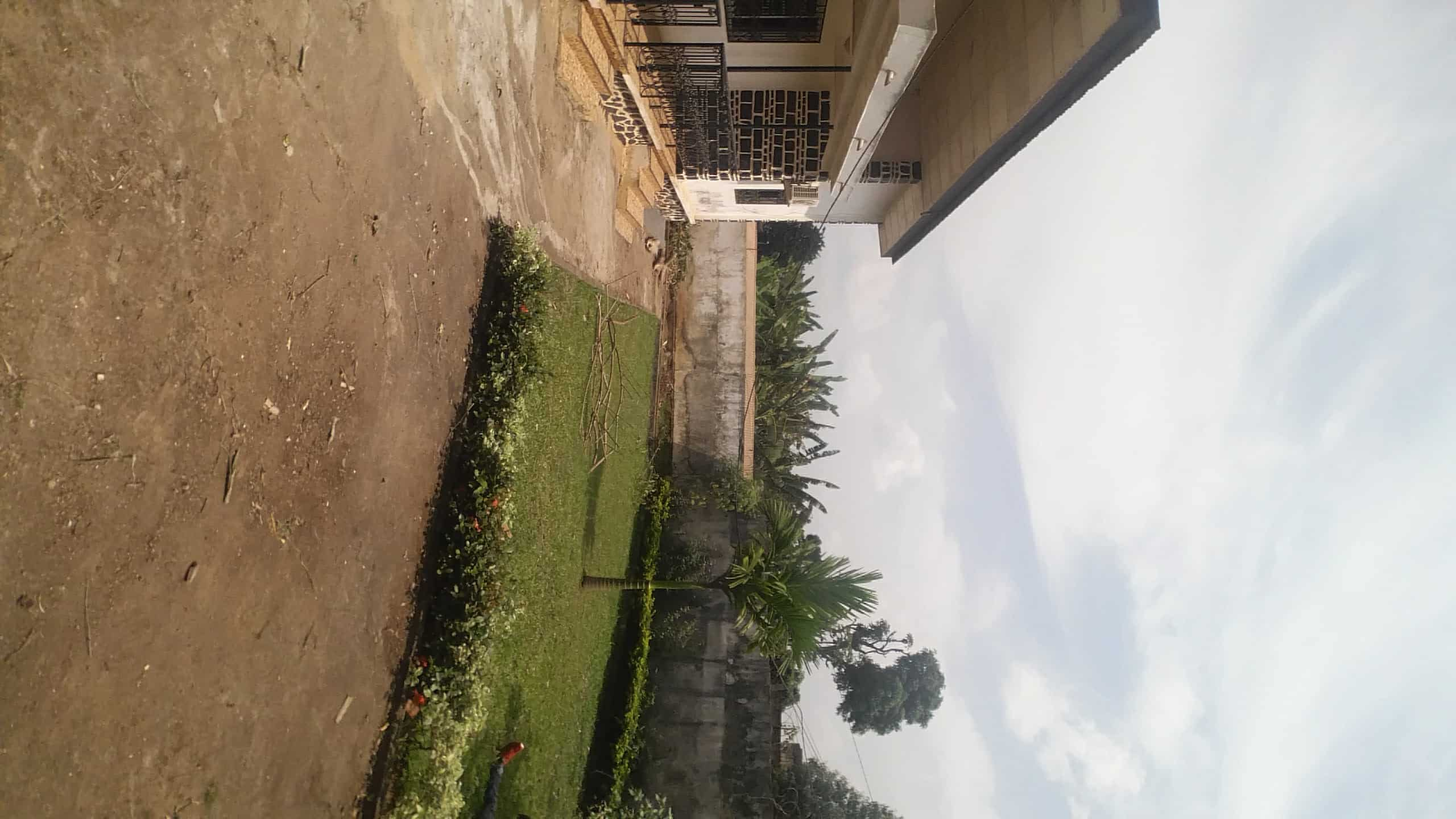 House (Villa) to rent - Yaoundé, Bastos, bastos - 1 living room(s), 3 bedroom(s), 2 bathroom(s) - 550 000 FCFA / month