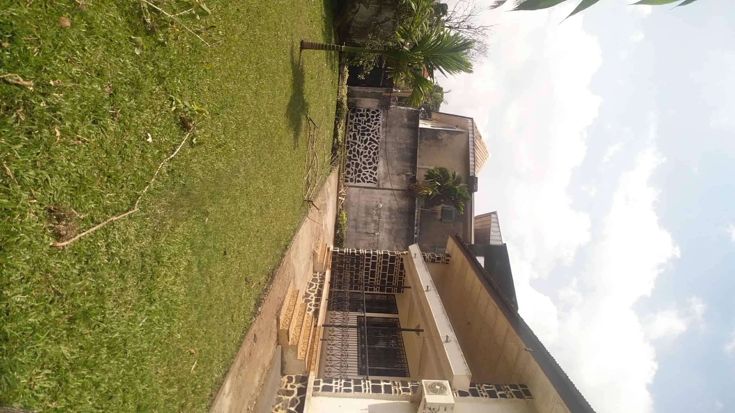 House (Villa) to rent - Yaoundé, Bastos, bastos - 1 living room(s), 3 bedroom(s), 2 bathroom(s) - 550 000 FCFA / month