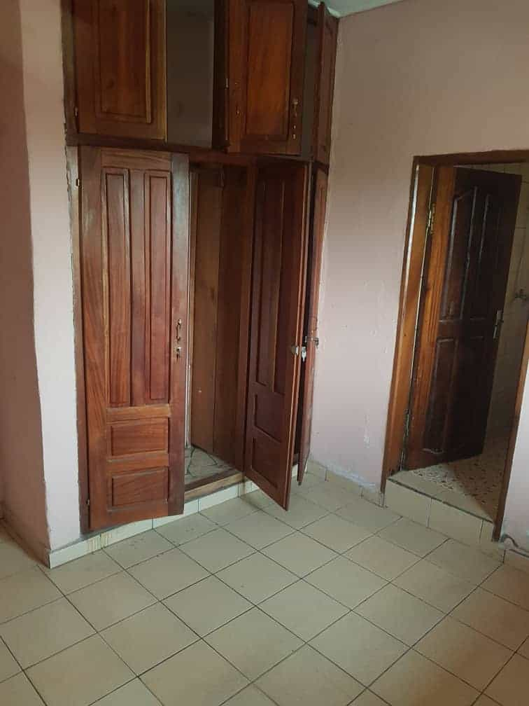 Apartment to rent - Douala, Makepe, Ver parcours vitæ - 1 living room(s), 1 bedroom(s), 1 bathroom(s) - 80 000 FCFA / month
