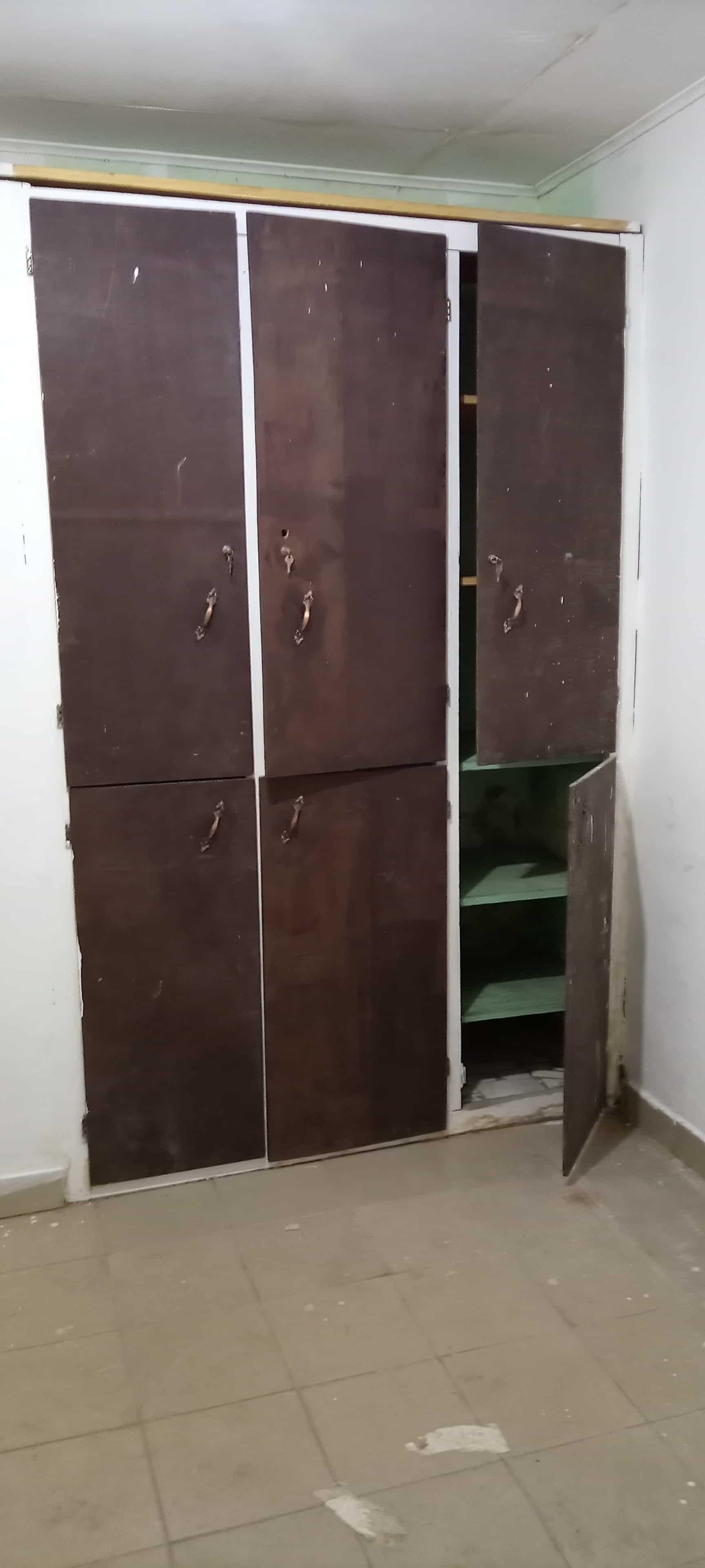 Maison (Villa) à louer - Douala, Bonamoussadi, Ver le JC - 1 salon(s), 3 chambre(s), 3 salle(s) de bains - 250 000 FCFA / mois