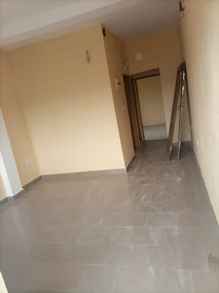 Apartment to rent - Douala, Bonamoussadi, Ver le 12ème - 1 living room(s), 1 bedroom(s), 1 bathroom(s) - 80 000 FCFA / month