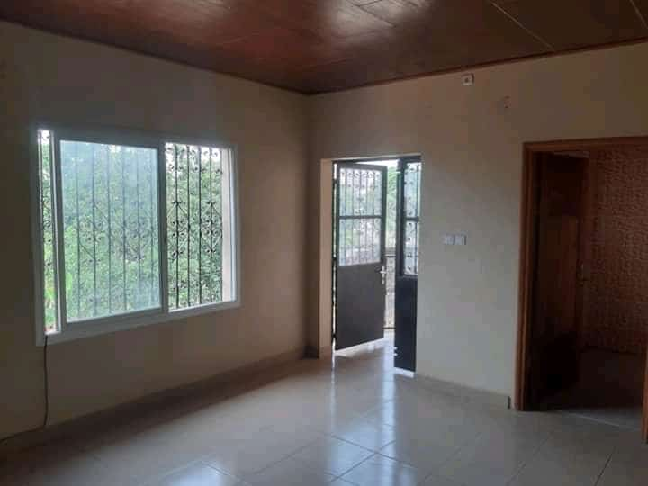 Apartment to rent - Douala, Logpom, Ver bassong - 1 living room(s), 1 bedroom(s), 1 bathroom(s) - 75 000 FCFA / month