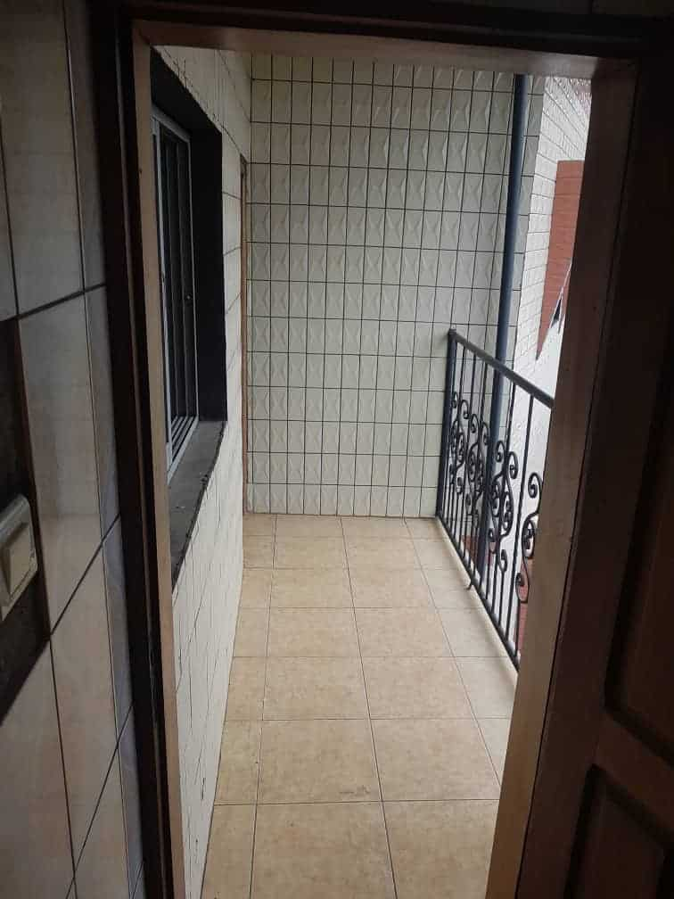 Apartment to rent - Douala, Makepe, Ver le parcours vitæ - 1 living room(s), 1 bedroom(s), 1 bathroom(s) - 80 000 FCFA / month