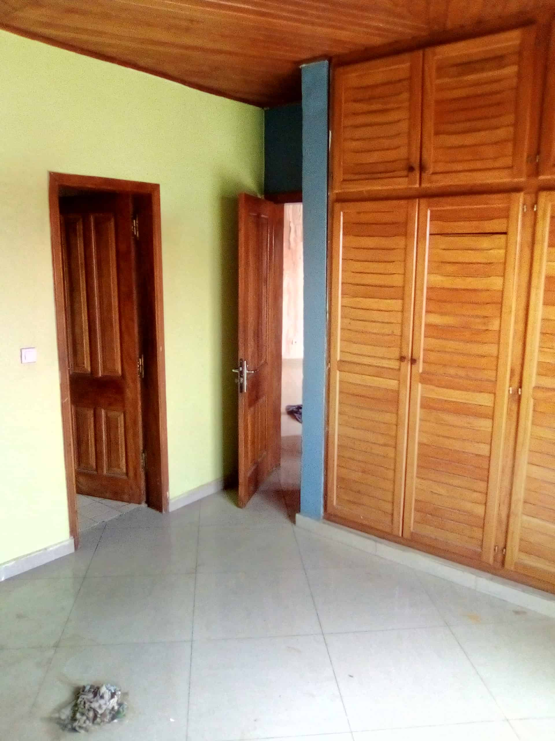 Apartment to rent - Douala, Kotto, Vers résidence kotto - 1 living room(s), 2 bedroom(s), 1 bathroom(s) - 80 000 FCFA / month