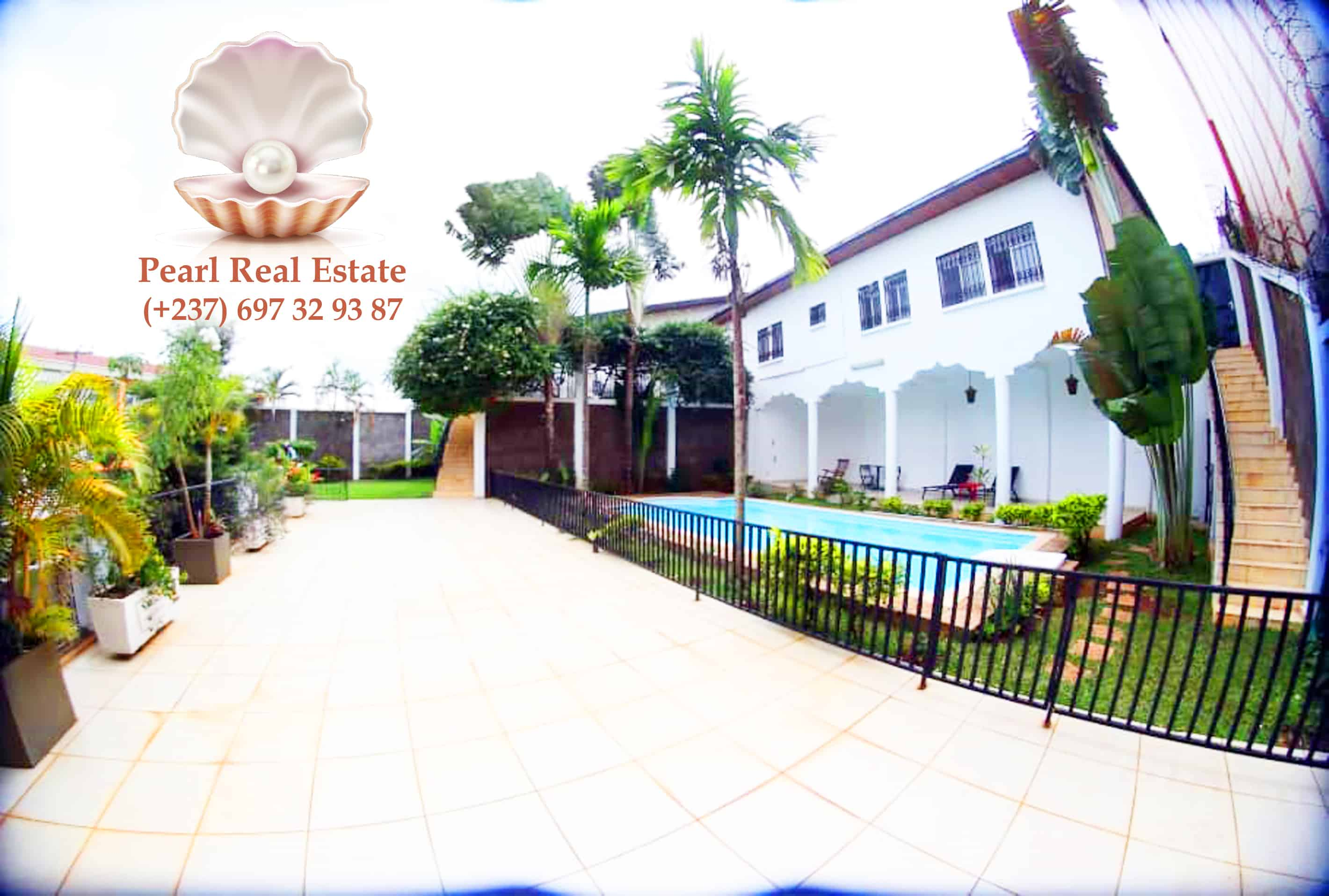 Maison (Villa) à vendre - Yaoundé, Bastos, Bastos - 1 salon(s), 4 chambre(s), 3 salle(s) de bains - 500 000 000 FCFA