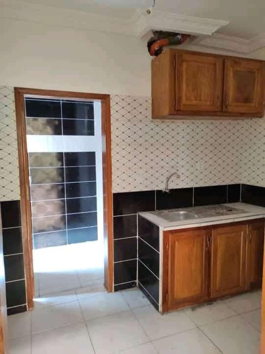 Appartement à louer - Douala, Makepe, Ver Rhône Poulin - 1 salon(s), 2 chambre(s), 2 salle(s) de bains - 180 000 FCFA / mois