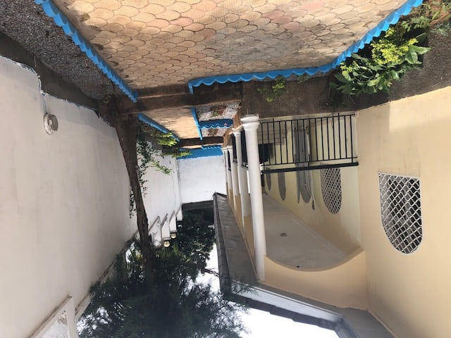 House (Villa) to rent - Yaoundé, Odza, Total Odza - 1 living room(s), 4 bedroom(s), 3 bathroom(s) - 850 000 FCFA / month