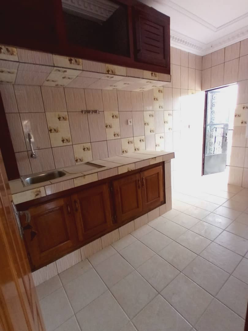 Apartment to rent - Douala, Logbessou I, Avant carrefour logbessou - 1 living room(s), 2 bedroom(s), 2 bathroom(s) - 125 000 FCFA / month