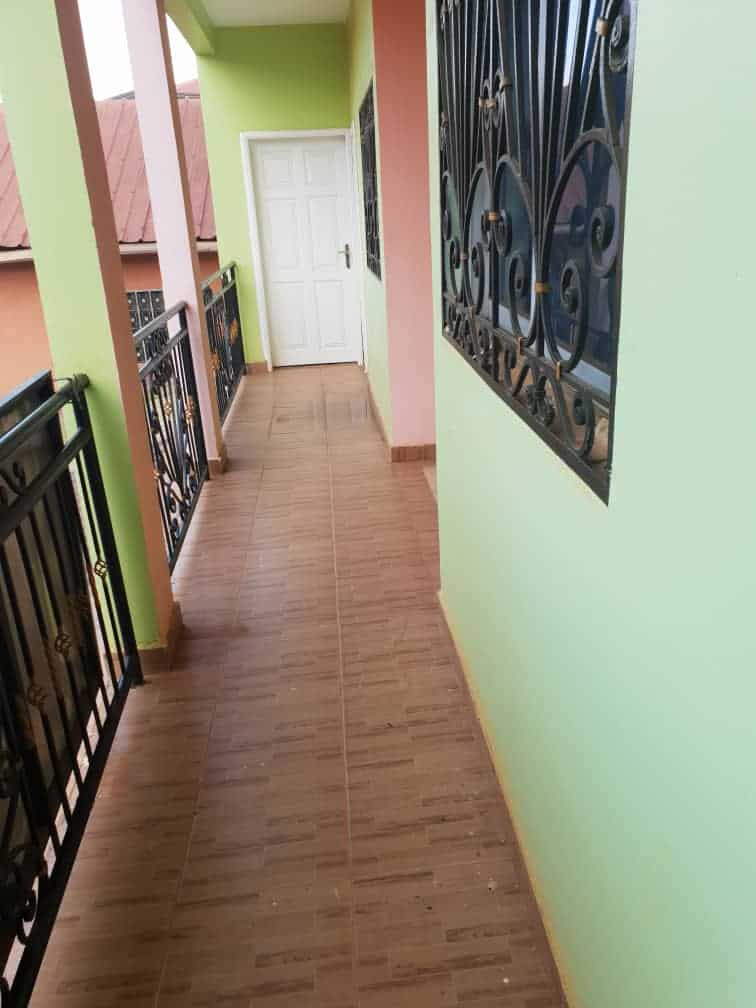 Apartment to rent - Yaoundé, Essomba, TRADEX - 1 living room(s), 2 bedroom(s), 1 bathroom(s) - 80 000 FCFA / month