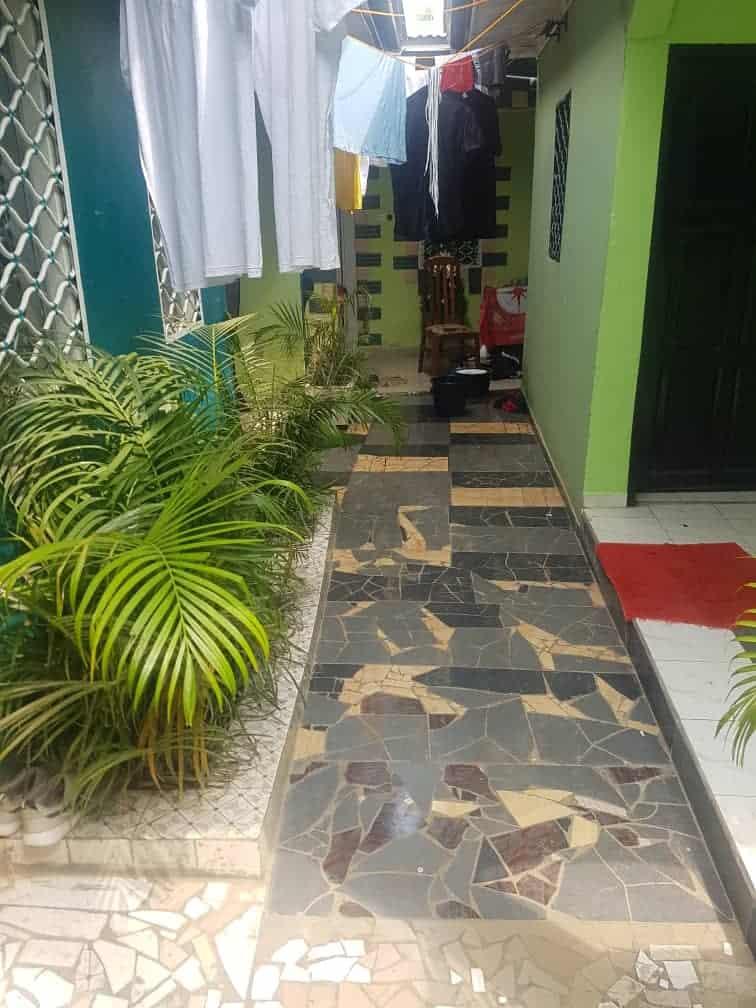 Appartement à louer - Yaoundé, Nkomo, TOTAL - 1 salon(s), 1 chambre(s), 1 salle(s) de bains - 50 000 FCFA / mois