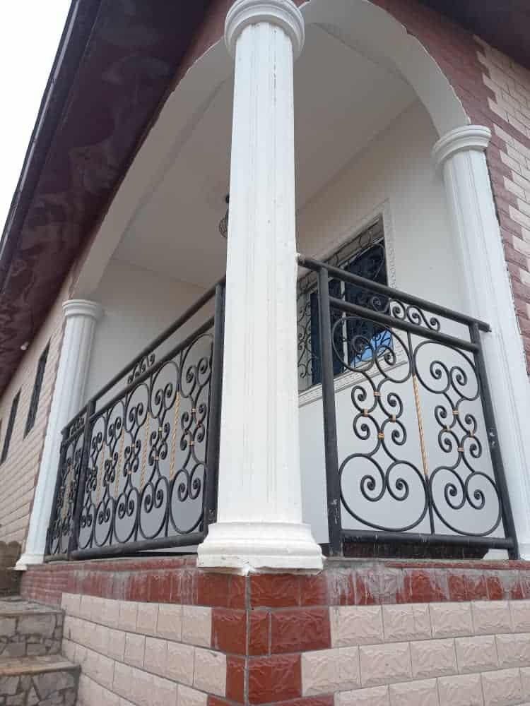 Appartement à louer - Yaoundé, Efoulan, LYCEE - 1 salon(s), 2 chambre(s), 1 salle(s) de bains - 120 000 FCFA / mois