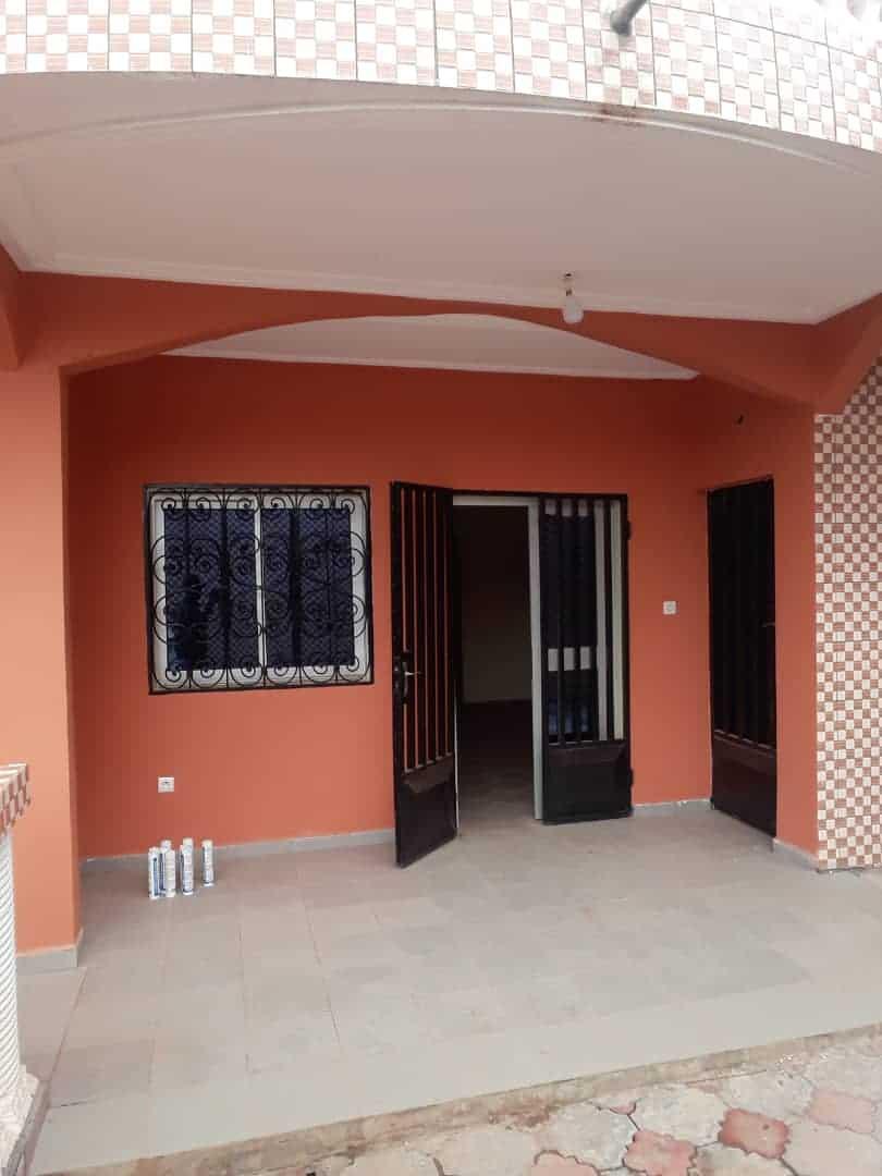 Appartement à louer - Yaoundé, Ngousso, FOUGEROLLE - 1 salon(s), 2 chambre(s), 2 salle(s) de bains - 100 000 FCFA / mois