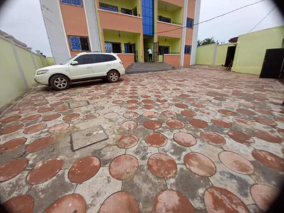 Apartment to rent - Yaoundé, Odza, FECAFOOT - 2 living room(s), 3 bedroom(s), 3 bathroom(s) - 150 000 FCFA / month