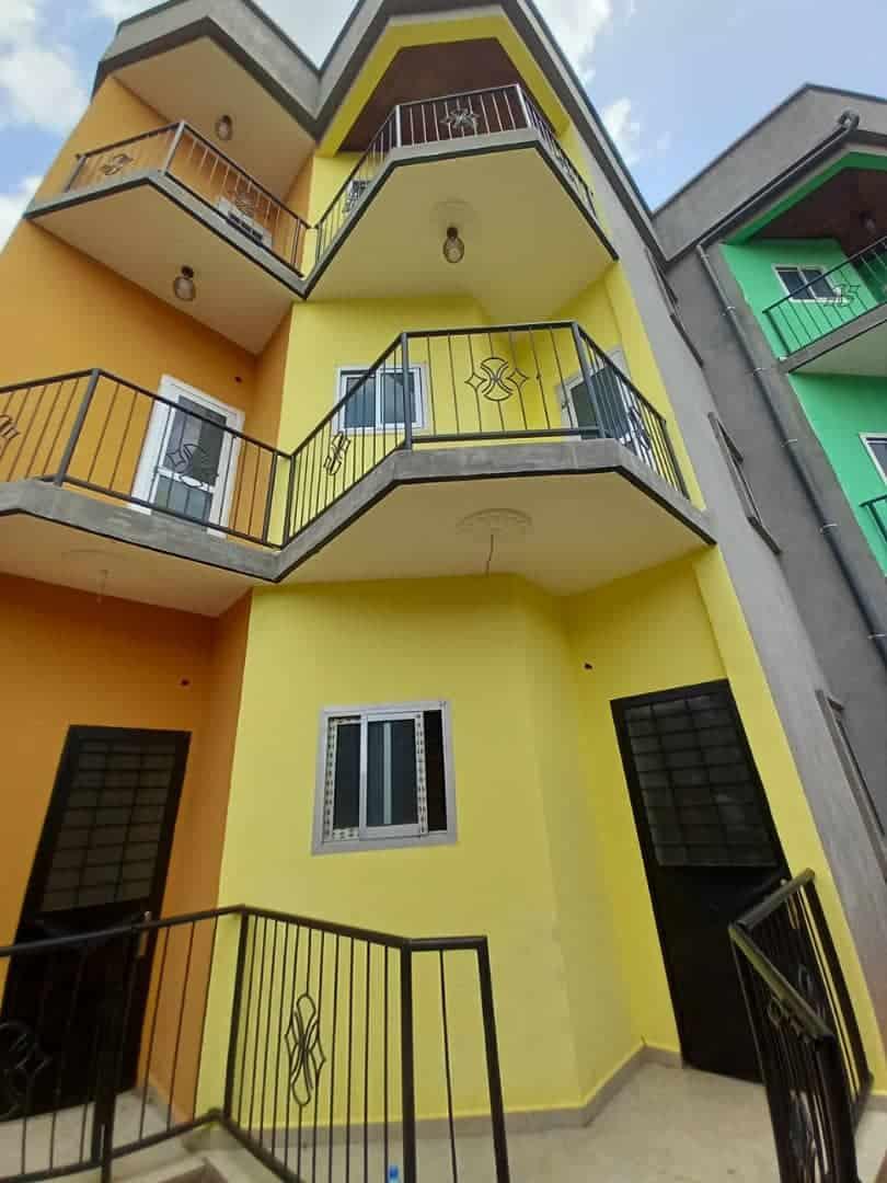 Appartement à louer - Yaoundé, Odza, COMMISSARIAT - 1 salon(s), 1 chambre(s), 1 salle(s) de bains - 70 000 FCFA / mois