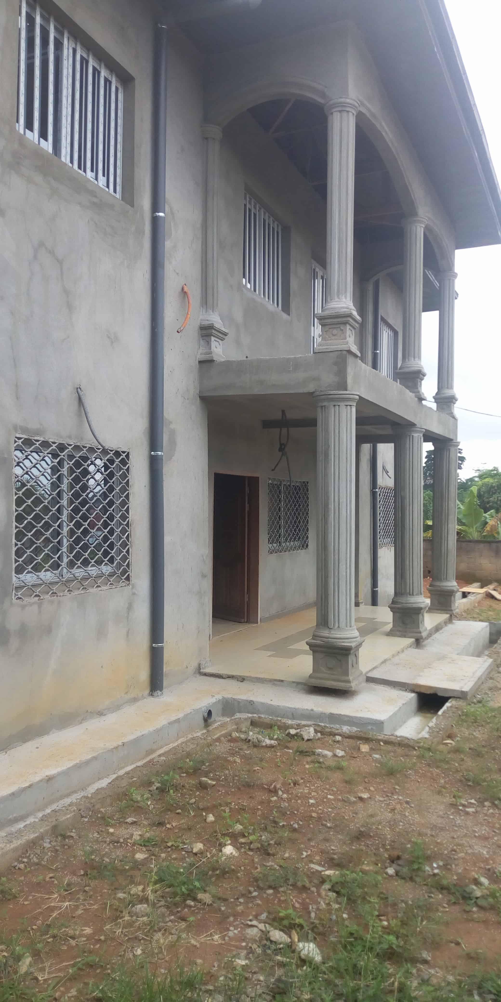 House (Villa) to rent - Yaoundé, Simbock, Duplex à louer inachevé à Yaoundé nomayos dangote - 1 living room(s), 4 bedroom(s), 3 bathroom(s) - 380 000 FCFA / month