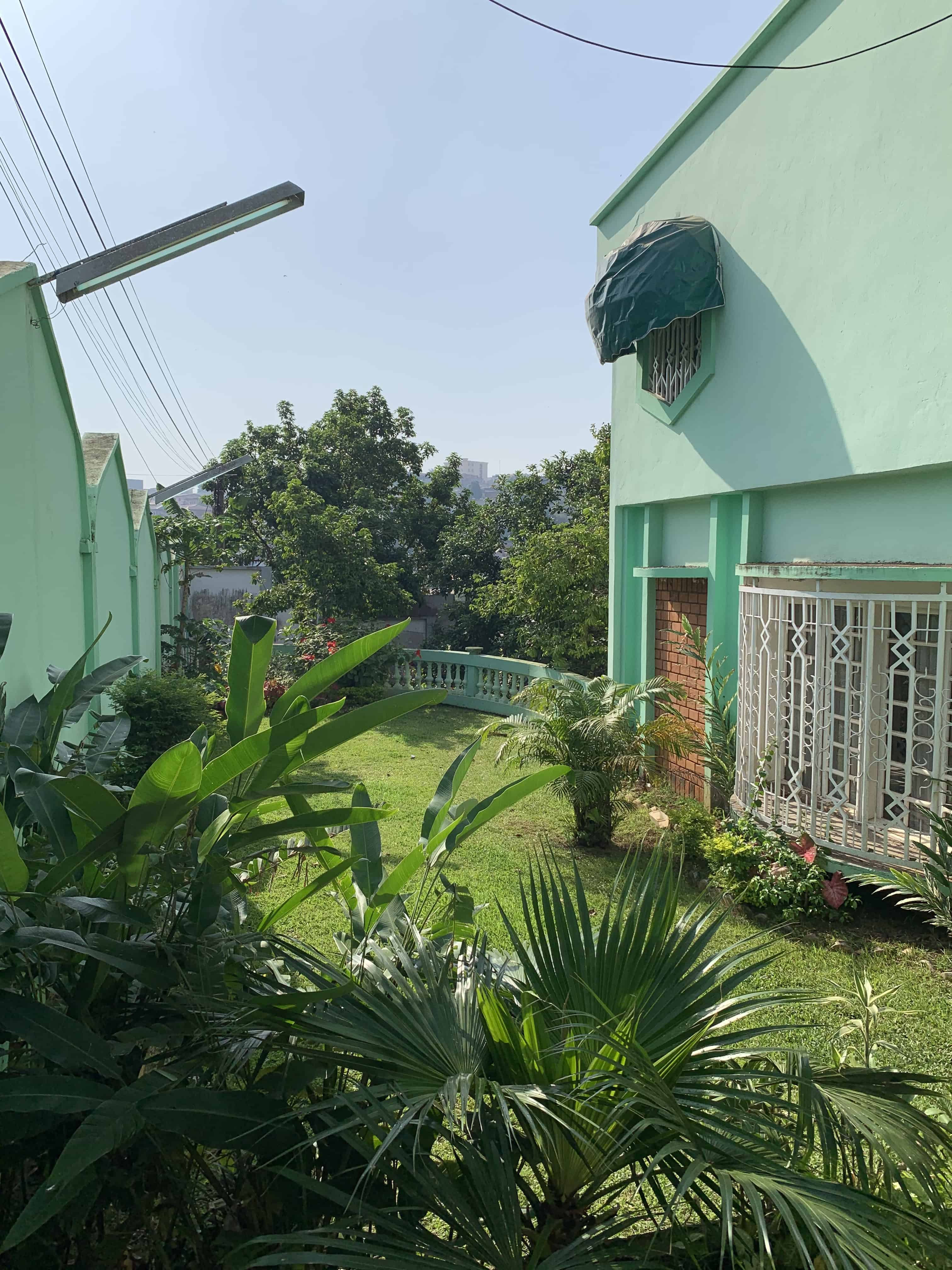 House (Villa) to rent - Yaoundé, Mfandena, Omnisports - 1 living room(s), 4 bedroom(s), 3 bathroom(s) - 1 000 000 FCFA / month