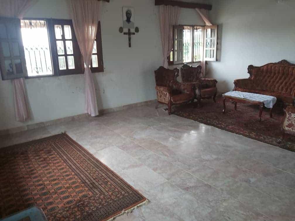 House (Villa) for sale - Douala, Ndoghem, Marché pk 12 - 1 living room(s), 4 bedroom(s), 3 bathroom(s) - 70 000 000 FCFA / month