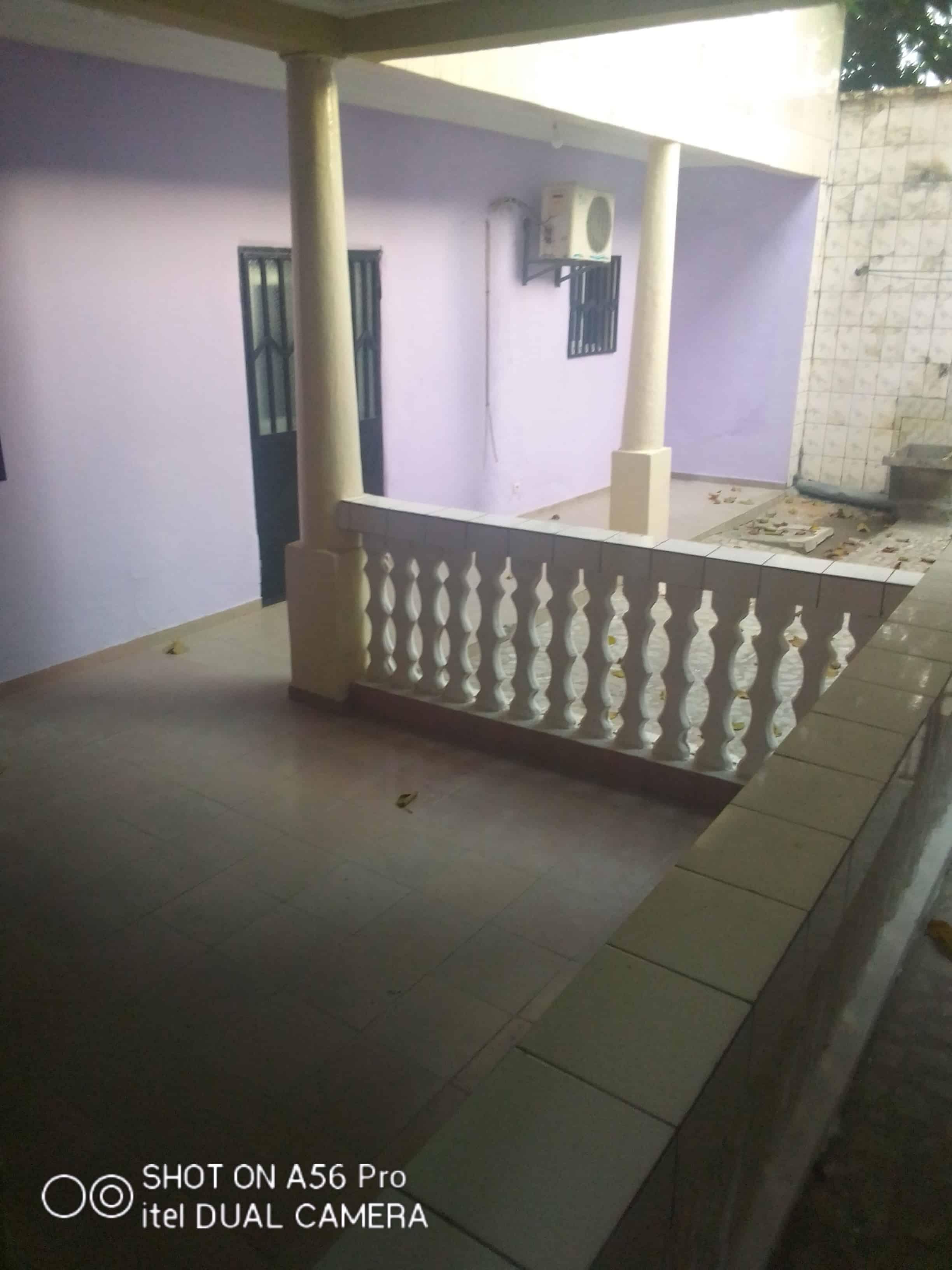 House (Villa) to rent - Douala, Logpom, Basson - 1 living room(s), 3 bedroom(s), 2 bathroom(s) - 150 000 FCFA / month