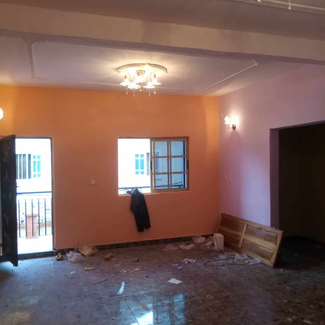 Apartment to rent - Douala, Bonamoussadi, Ver carrefour éto'o - 1 living room(s), 2 bedroom(s), 2 bathroom(s) - 150 000 FCFA / month