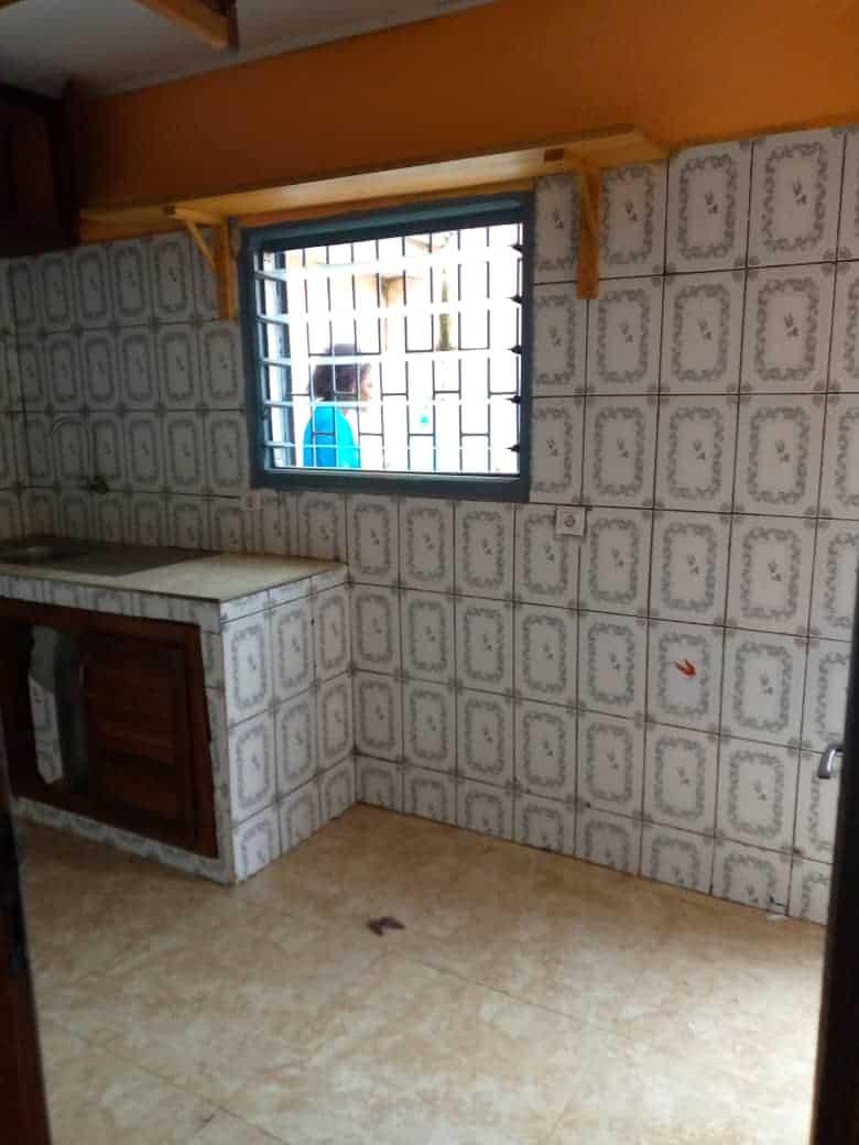 House (Villa) to rent - Douala, Makepe, Ver Bm - 1 living room(s), 3 bedroom(s), 3 bathroom(s) - 150 000 FCFA / month