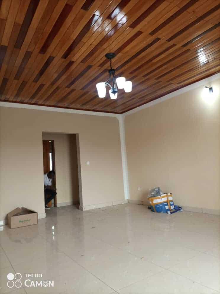 Apartment to rent - Douala, Logbessou I, Après carrefour logbessou - 1 living room(s), 2 bedroom(s), 2 bathroom(s) - 110 000 FCFA / month