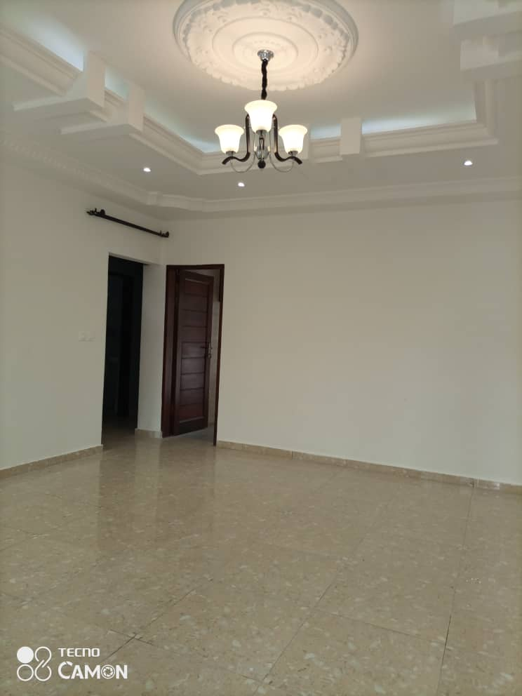Apartment to rent - Douala, Logpom, Ver bassong - 1 living room(s), 2 bedroom(s), 2 bathroom(s) - 190 000 FCFA / month
