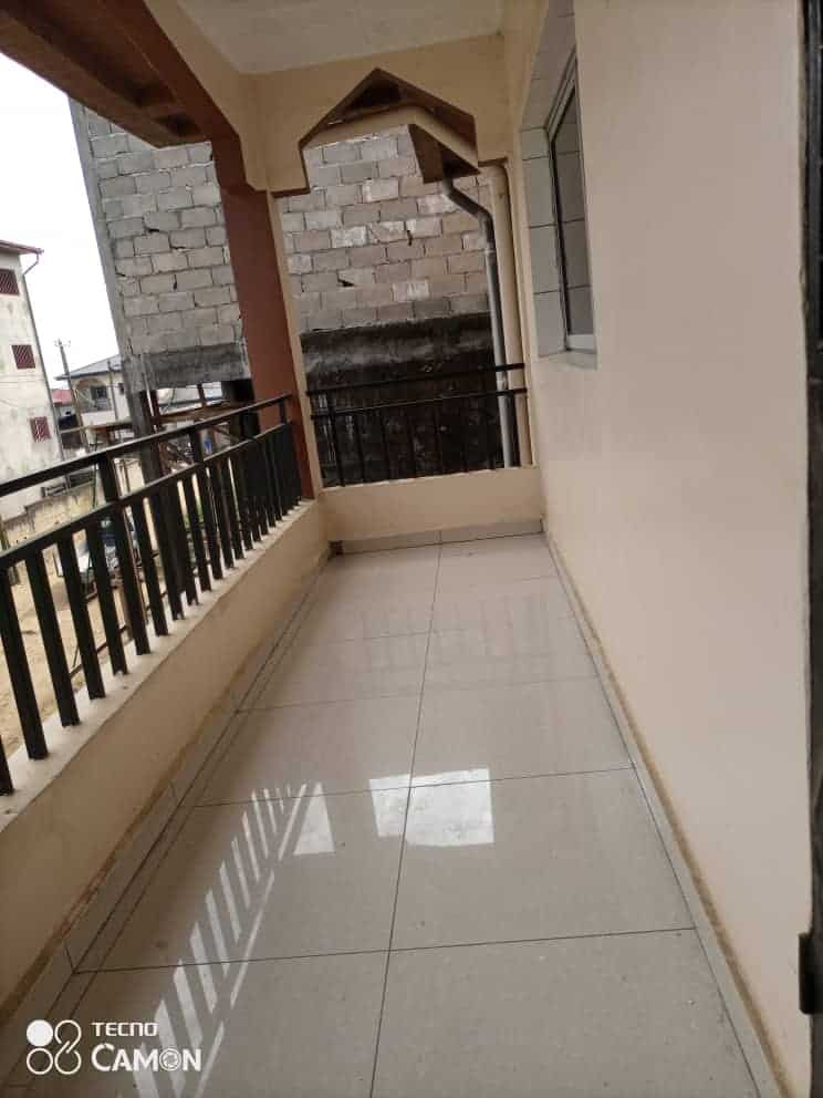 Apartment to rent - Douala, Logpom, Ver bassong - 1 living room(s), 3 bedroom(s), 2 bathroom(s) - 130 000 FCFA / month