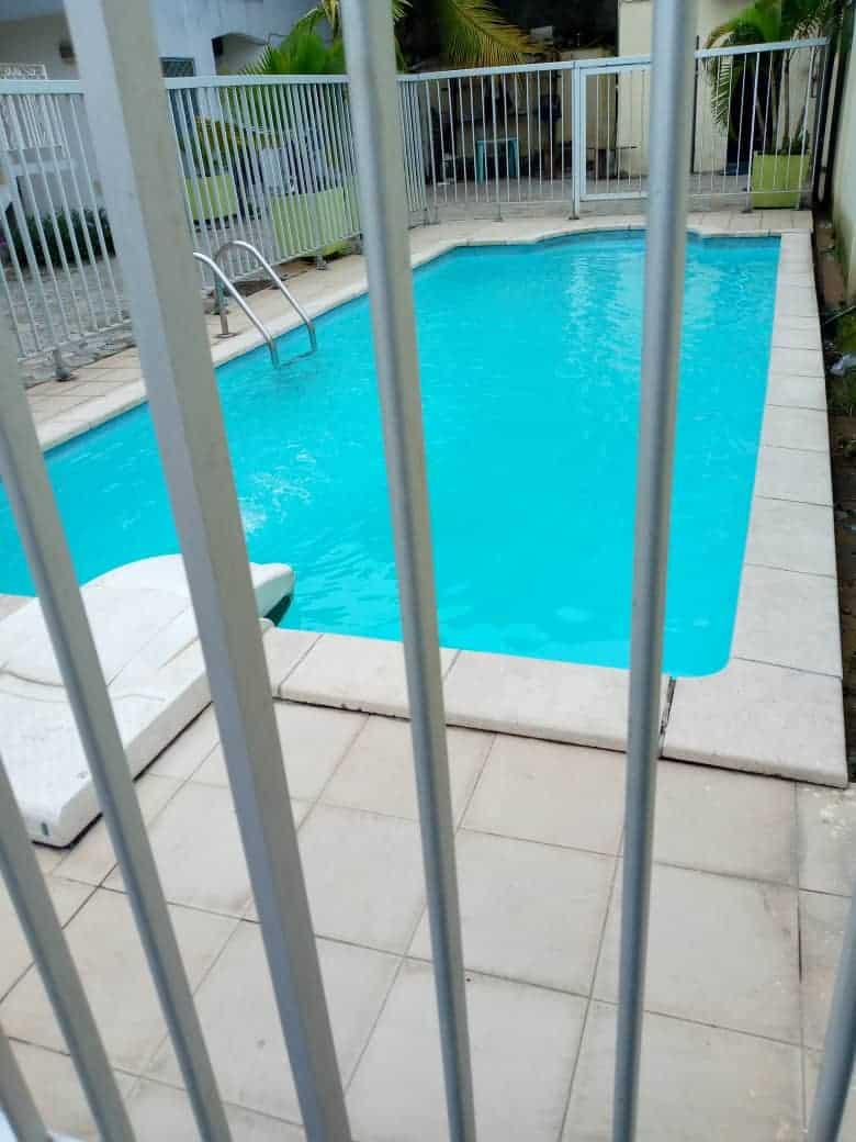 Apartment to rent - Douala, Akwa II, C'est a Akwa nord - 1 living room(s), 3 bedroom(s), 3 bathroom(s) - 250 000 FCFA / month