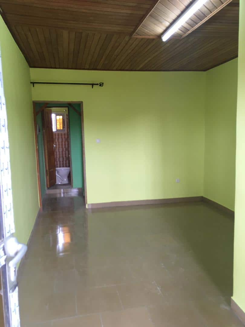 Apartment to rent - Douala, Kotto, Ver Baden Baden - 1 living room(s), 1 bedroom(s), 1 bathroom(s) - 70 000 FCFA / month