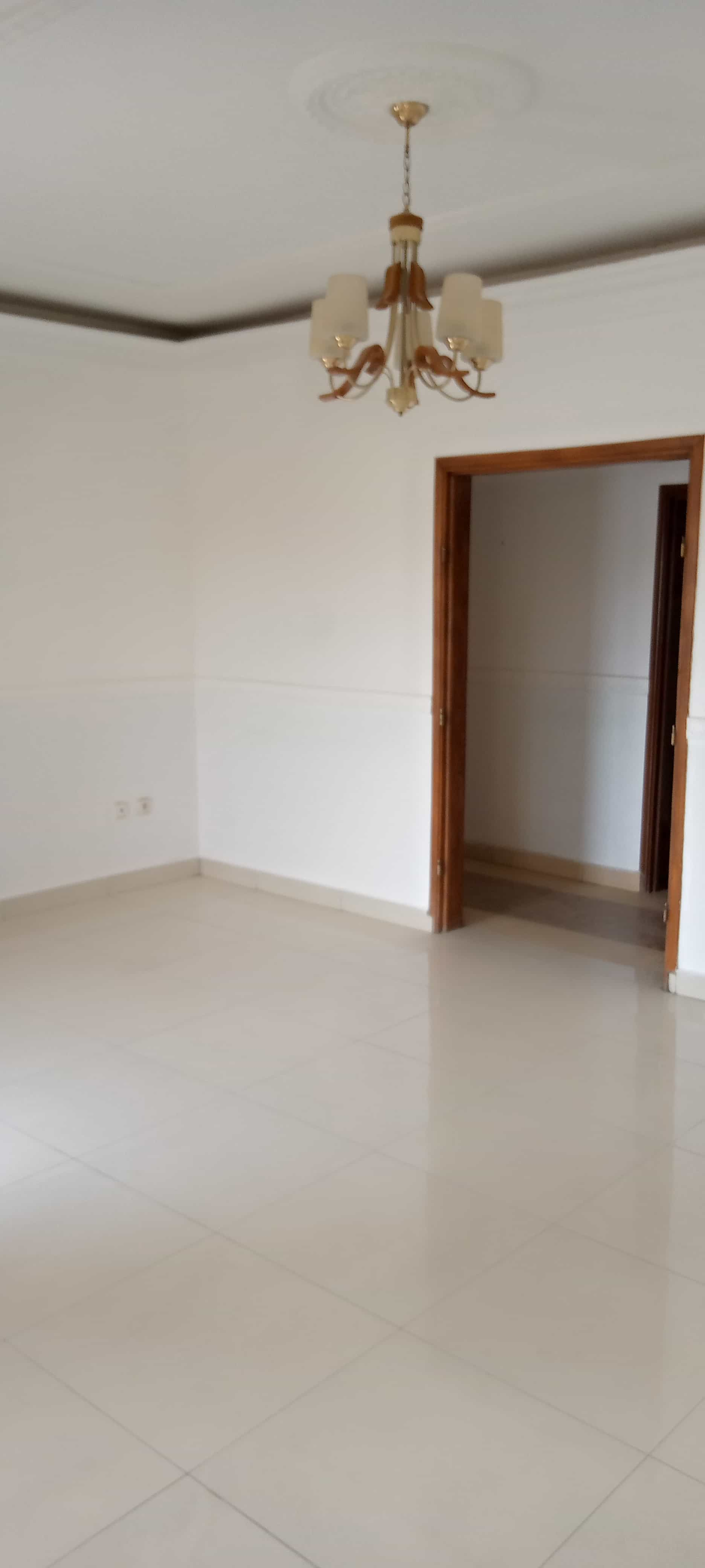 Apartment to rent - Yaoundé, Bastos, Dragage - 1 living room(s), 2 bedroom(s), 2 bathroom(s) - 320 000 FCFA / month
