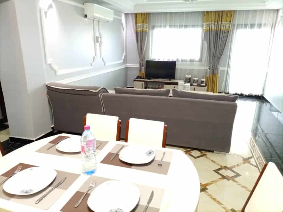 Apartment to rent - Douala, Bali, Centre - 1 living room(s), 3 bedroom(s), 2 bathroom(s) - 3 000 000 FCFA / month