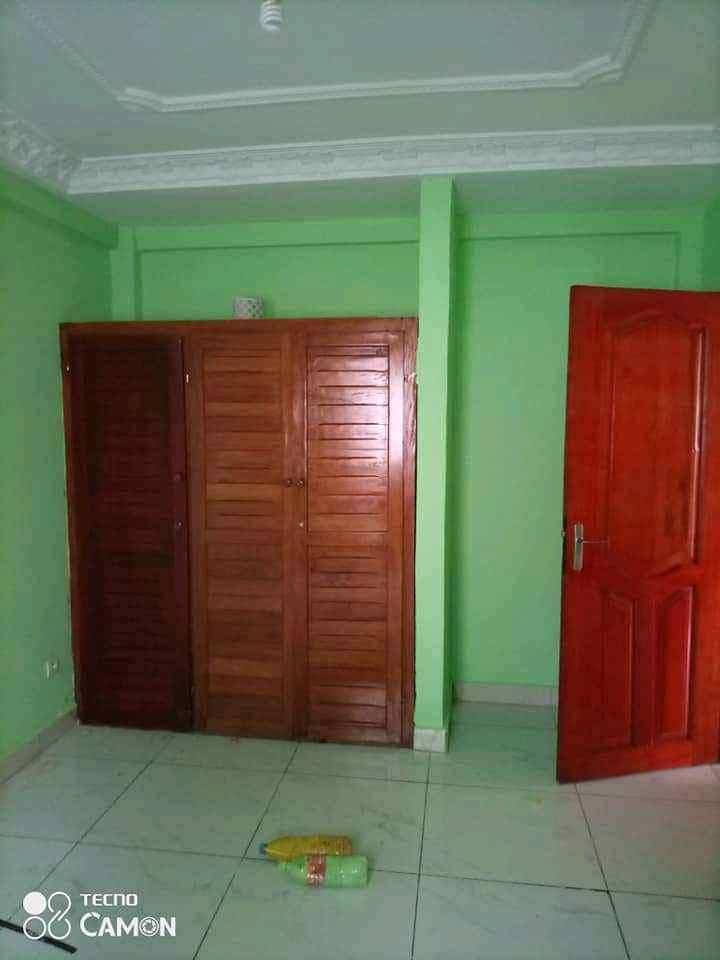 Apartment to rent - Douala, Kotto, Ver Baden Baden - 1 living room(s), 2 bedroom(s), 2 bathroom(s) - 170 000 FCFA / month