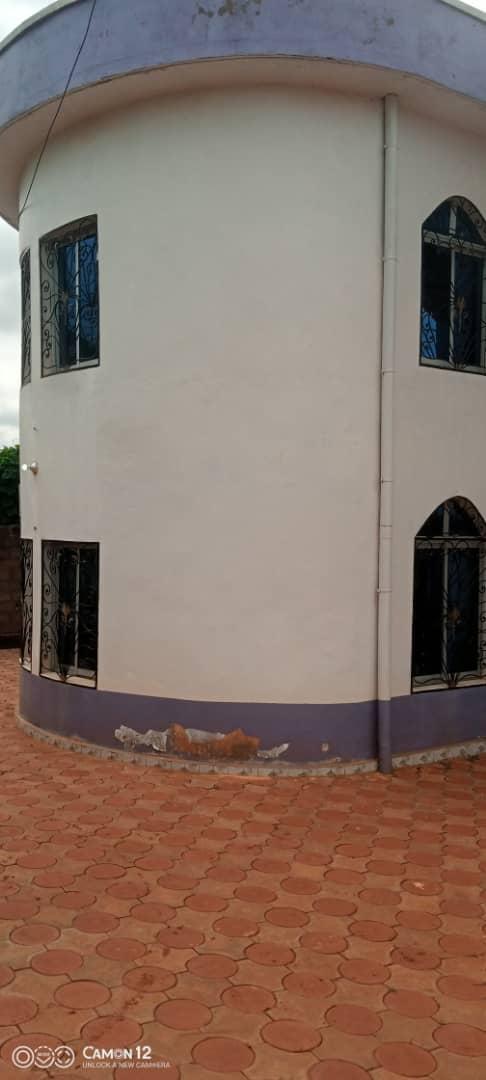 House (Villa) for sale - Yaoundé, Messassi, Duplex à vendre Yaoundé à nkoa abang - 1 living room(s), 4 bedroom(s), 3 bathroom(s) - 150 000 000 FCFA / month