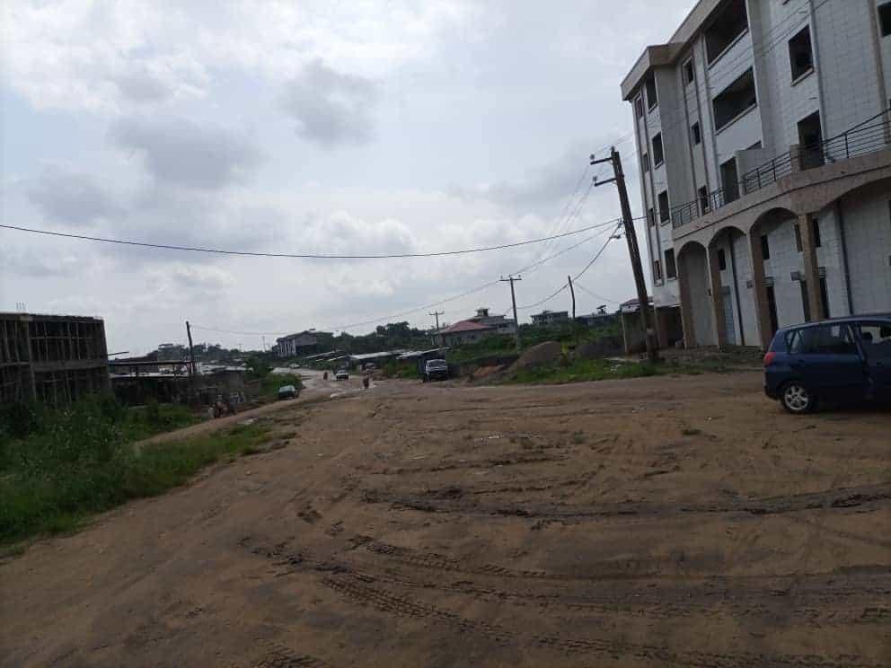 Land for sale at Douala, Yassa, Carrefour Matango derrière le Stade - 1000 m2 - 6 000 000 FCFA