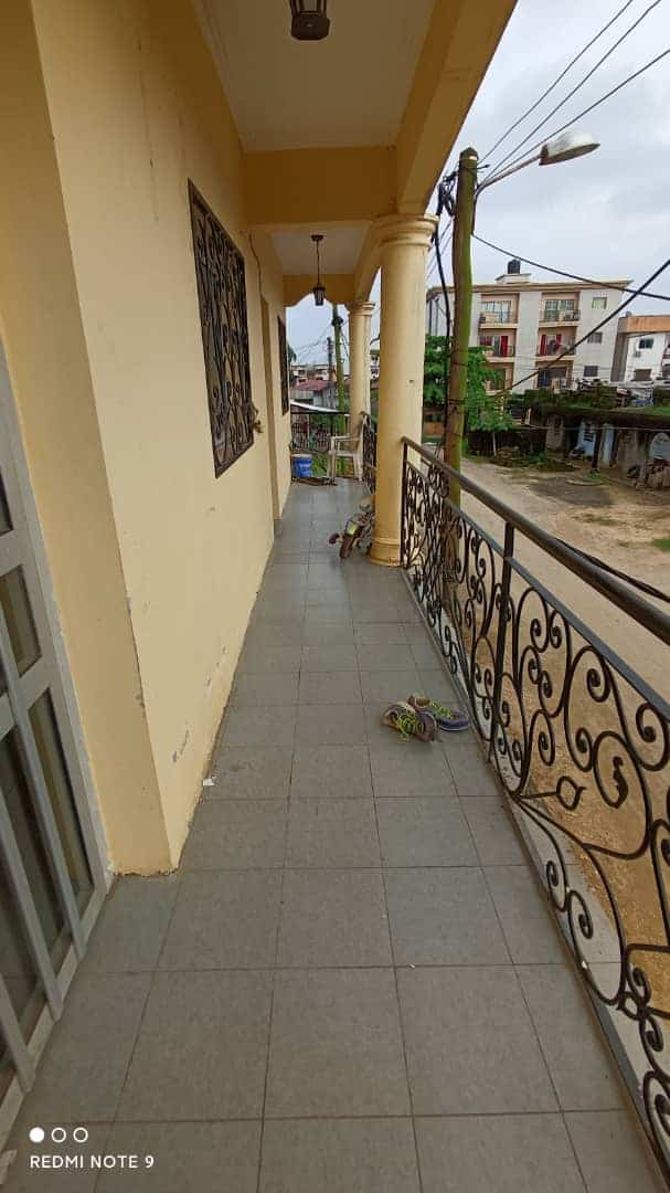 Apartment to rent - Douala, Bonamoussadi, Ver santa Barbara - 1 living room(s), 2 bedroom(s), 2 bathroom(s) - 250 000 FCFA / month