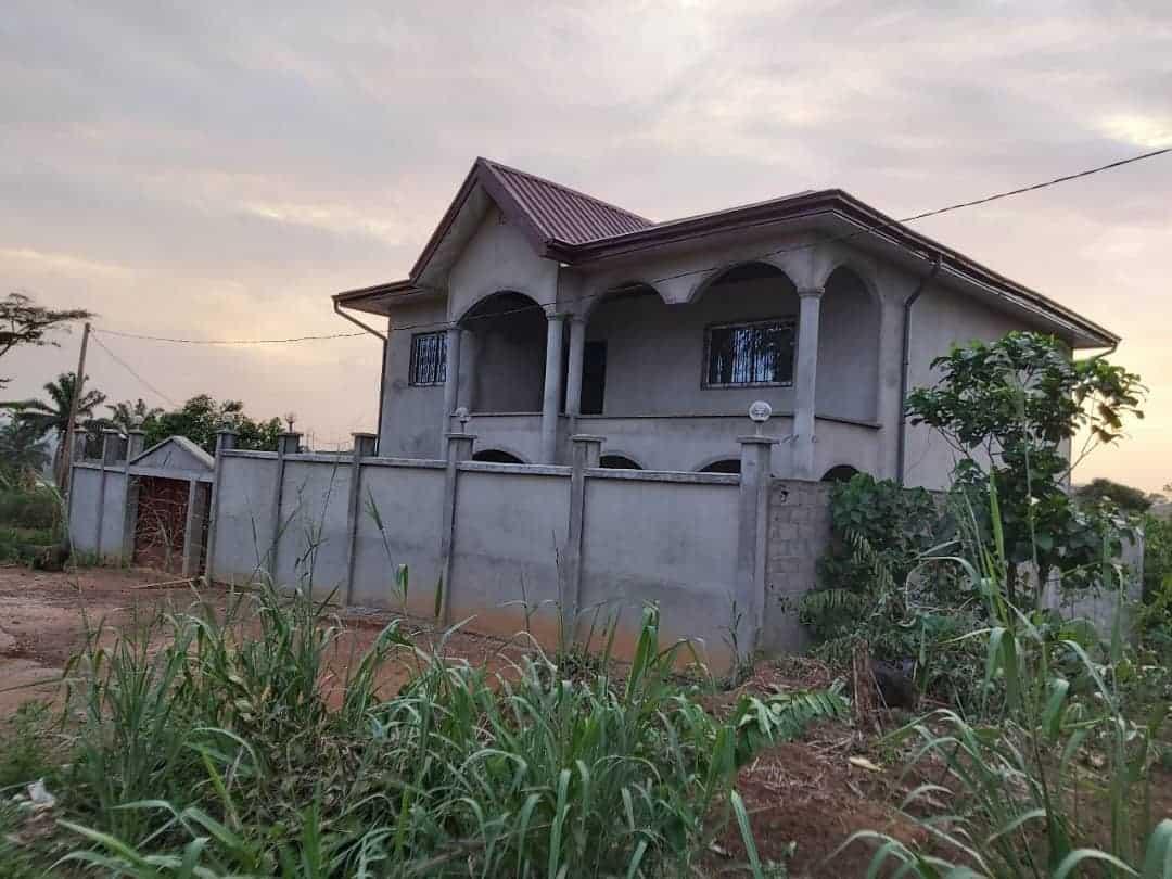 House (Villa) for sale - Yaoundé, Bastos, nkoabang (Lada) - 1 living room(s), 4 bedroom(s), 3 bathroom(s) - 50 000 000 FCFA / month