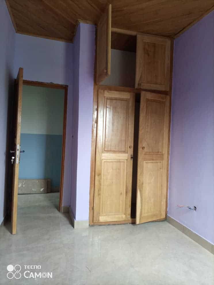Apartment to rent - Douala, Kotto, Ver résidence - 1 living room(s), 2 bedroom(s), 1 bathroom(s) - 85 000 FCFA / month