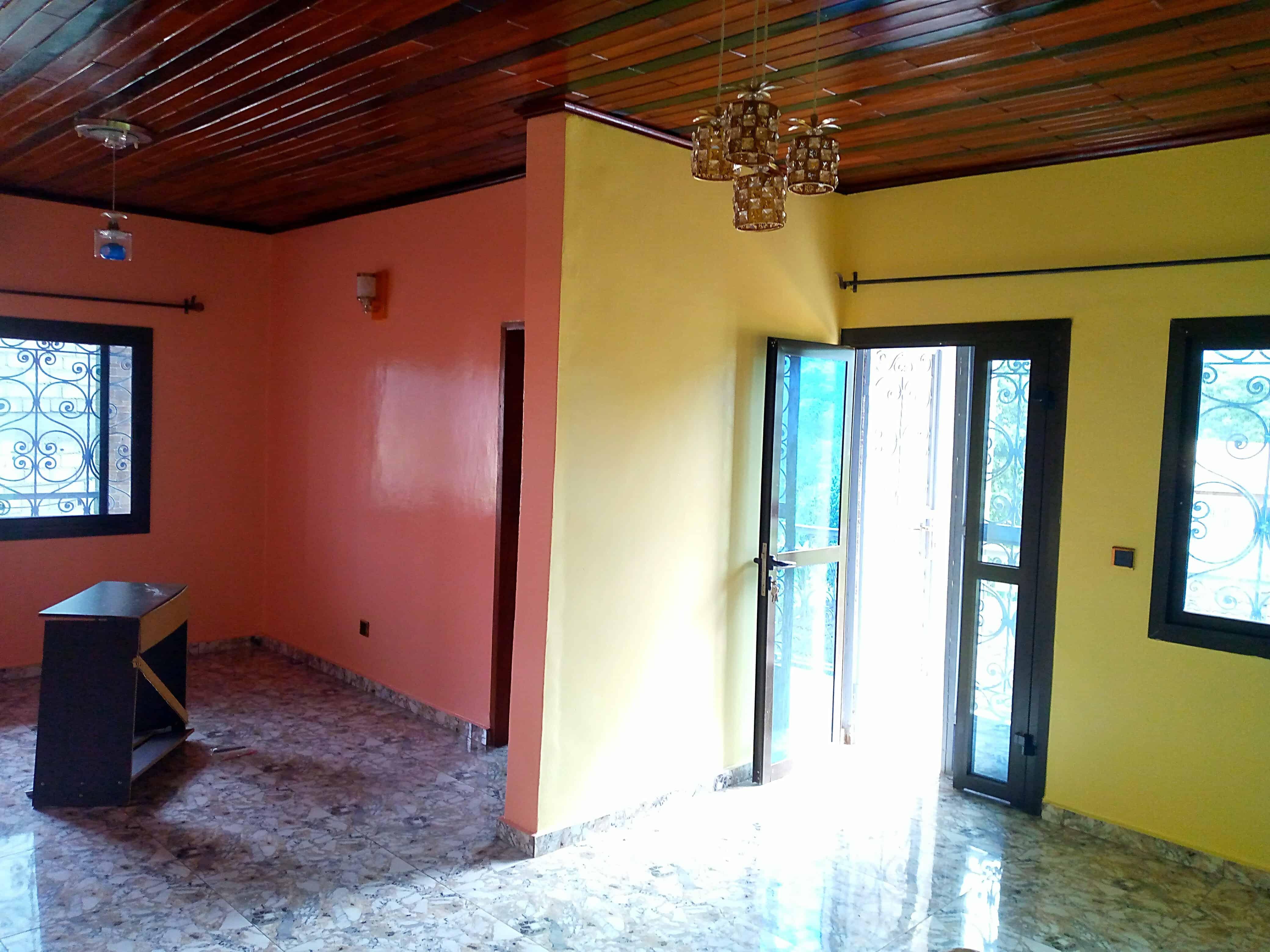 Apartment to rent - Yaoundé, Nkolbisson, Dagobert - 2 living room(s), 2 bedroom(s), 2 bathroom(s) - 110 000 FCFA / month