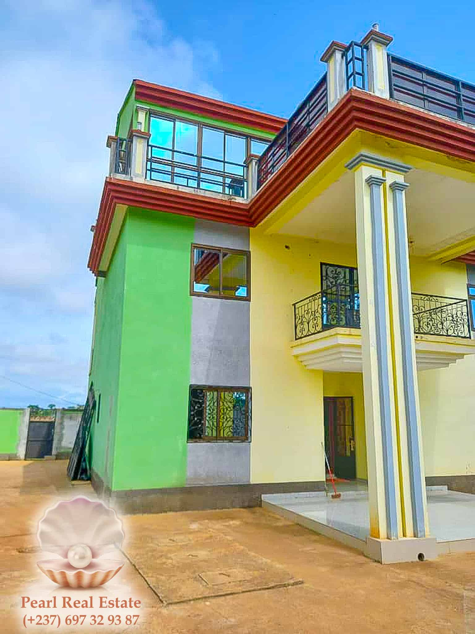 House (Villa) for sale - Yaoundé, Odza, Borne 10 - 1 living room(s), 4 bedroom(s), 3 bathroom(s) - 130 000 000 FCFA / month