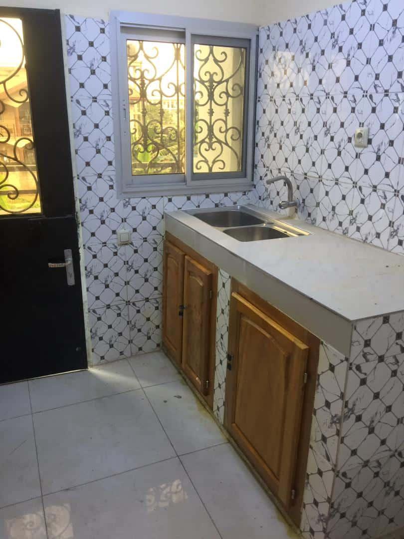 Appartement à louer - Douala, Ndokotti, Ver belavie - 1 salon(s), 2 chambre(s), 2 salle(s) de bains - 150 000 FCFA / mois