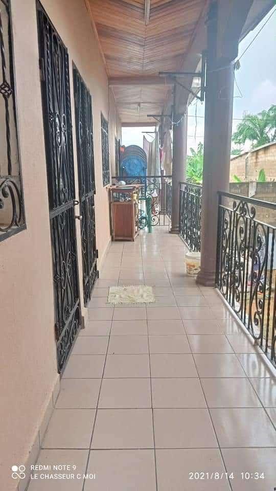 Appartement à louer - Douala, PK 11, C'est a pk12 - 1 salon(s), 2 chambre(s), 1 salle(s) de bains - 70 000 FCFA / mois