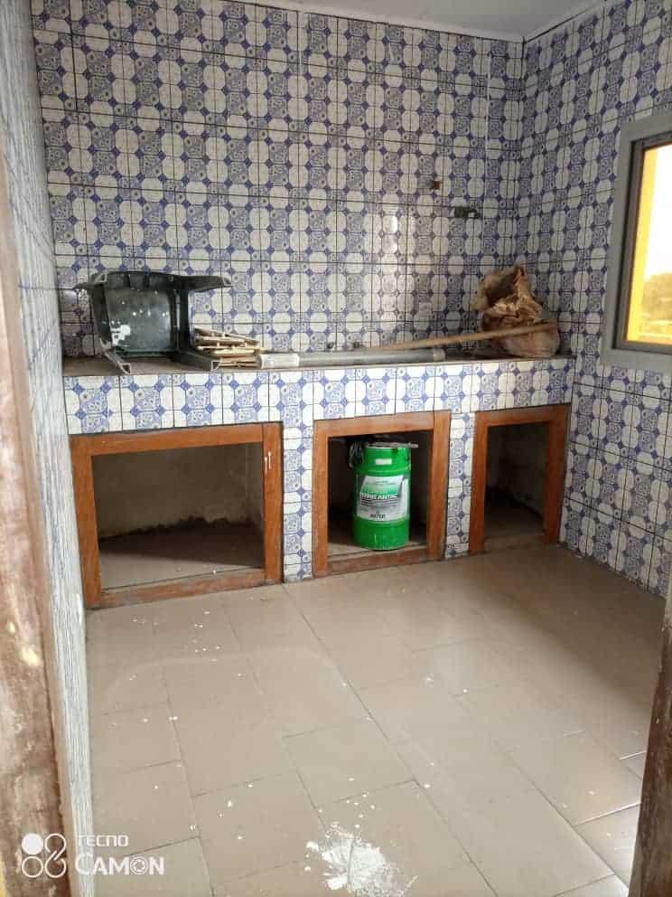 Appartement à louer - Douala, Logbessou II, Ver crtv bar - 1 salon(s), 2 chambre(s), 2 salle(s) de bains - 90 000 FCFA / mois