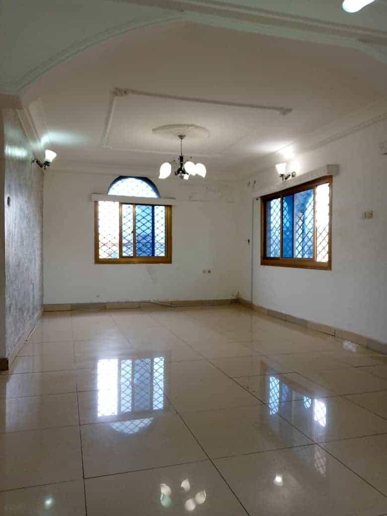 Appartement à louer - Douala, Kotto, Ver Baden Baden - 1 salon(s), 2 chambre(s), 2 salle(s) de bains - 135 000 FCFA / mois