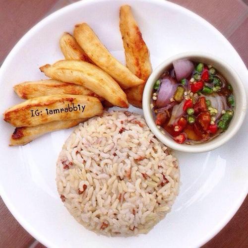 ไก่แดดเดียว ครัวไหมพร รับทำข้าวกล่อง อาหารจัดเลี้ยง อาหารคลีน อาหารตามสั่ง การันตีความสด อร่อย ถูกหลักอนามัย