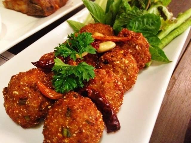 ลาบหมูทอด kruamaiporn ครัวไหมพร รับทำข้าวกล่อง อาหารจัดเลี้ยง อาหารคลีน อาหารตามสั่ง การันตีความสด อร่อย ถูกหลักอนามัย