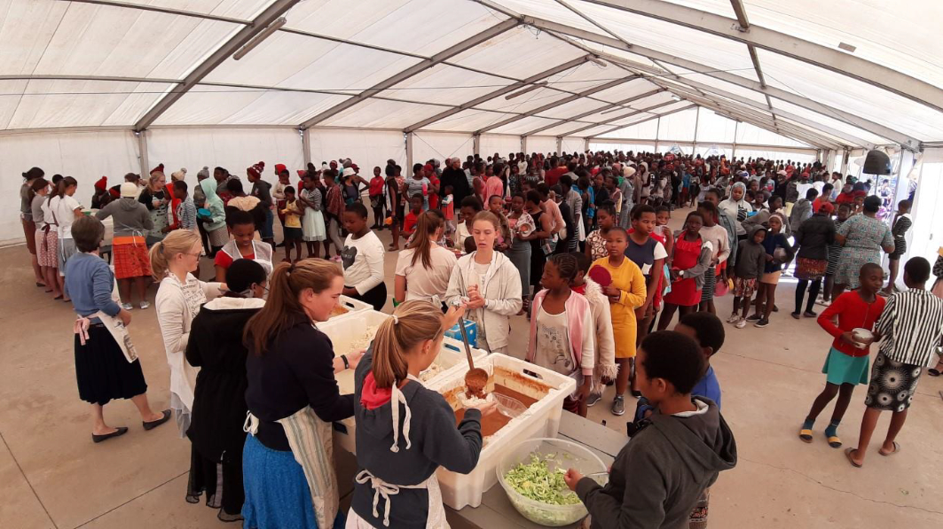 Serving meals during the Children Services