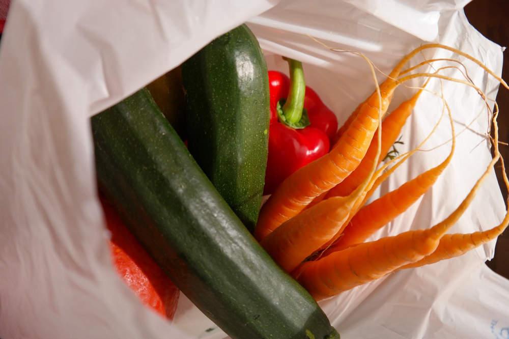 Nejekologičtější nákupní taška není bavlněná, popsala rozsáhlá česká studie