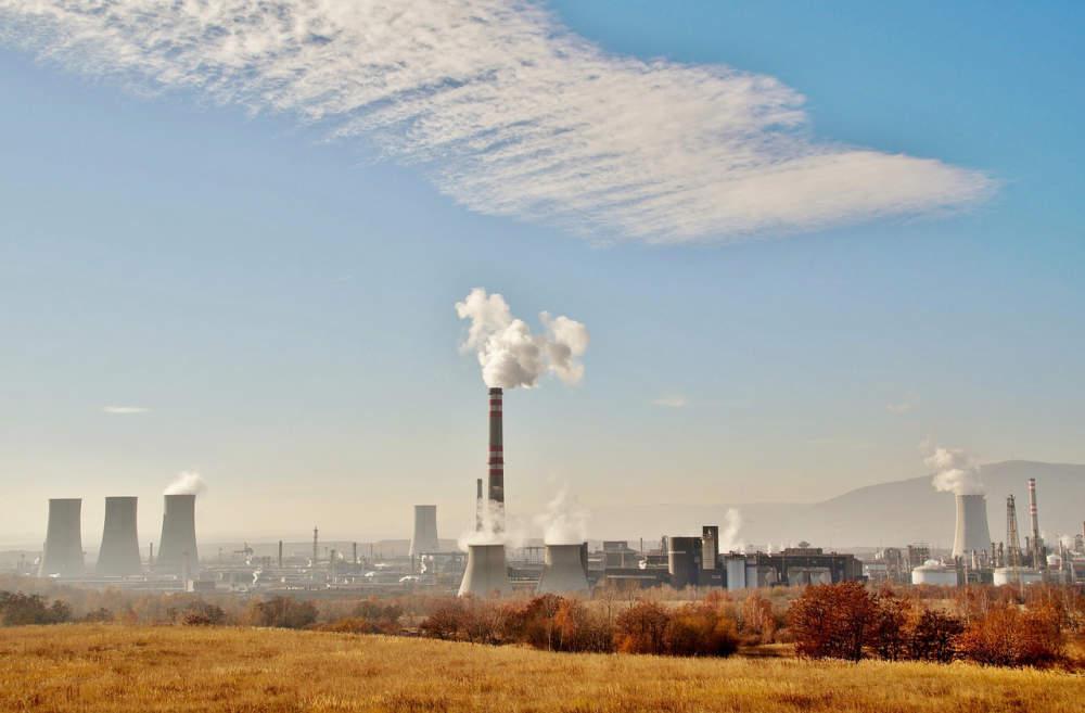 """""""Kouřící komín byl dlouho považován za symbol rozvoje,"""" říká Ivan Holoubek"""